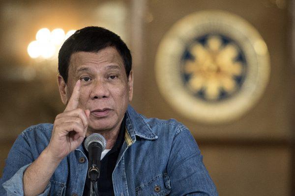 Le président philippin Rodrigo Duterte lors d'une conférence de presse à Manille le 30 janvier 30 2017. (Crédits : AFP PHOTO / POOL / NOEL CELIS)