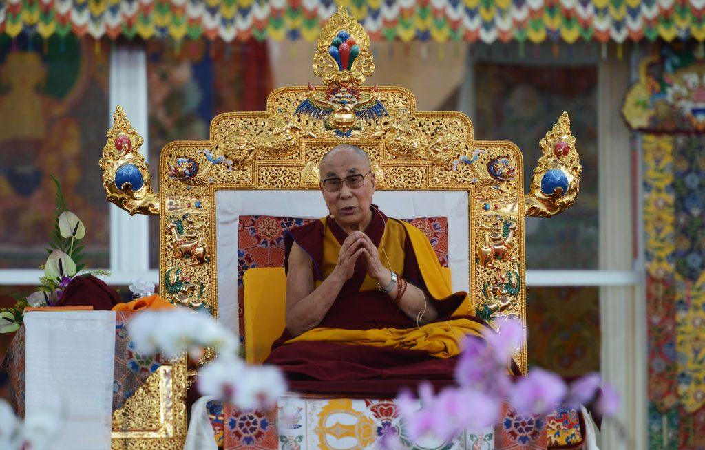 Le Dalai-lama lors d'une de la fête religieuse du Kalachakra à Bodhgaya en Inde le 5 janvier 2017. (Crédits : AFP PHOTO / Dibyangshu SARKAR)