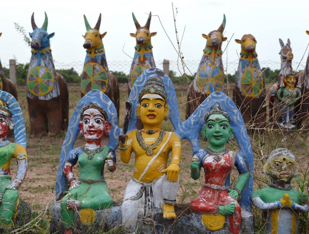 Ayyanar est le fils de dieux hindous majeurs, Shiva et Vishnou.