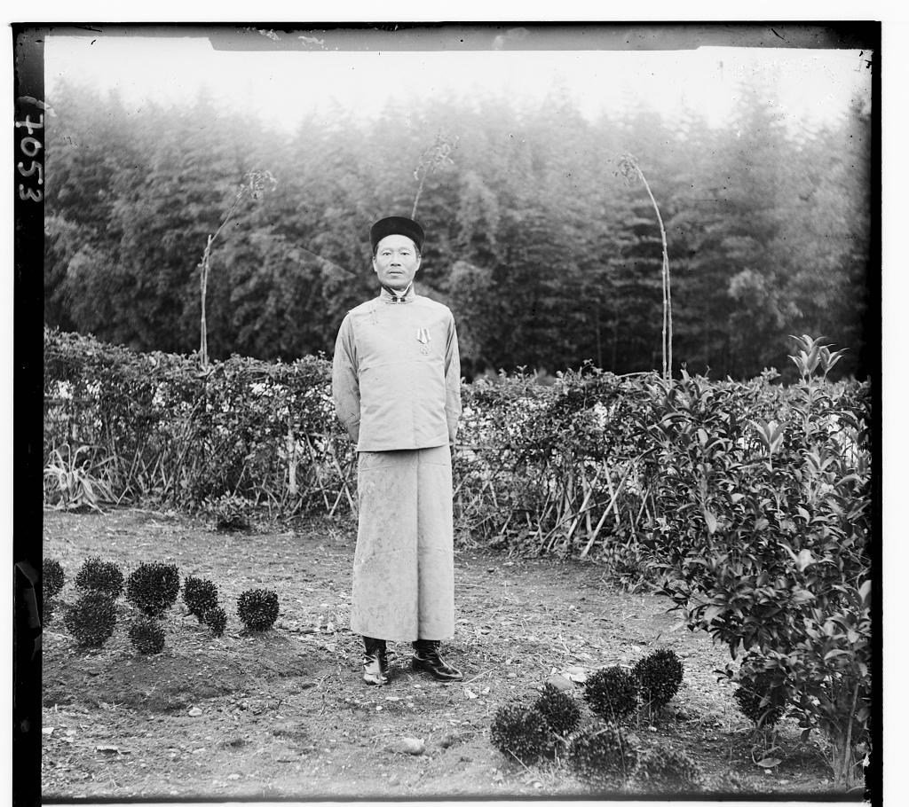 """La plantation de thé de Chavka, le contremaître Liu Zhengzhou"", photographie de S.M. Prokudin-Gorskii."