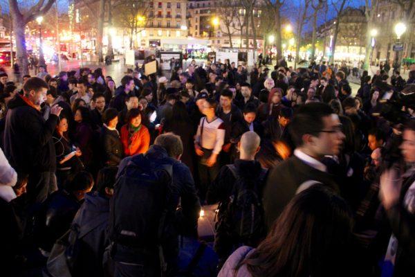 Le rassemblement contre les violences policières et pour la justice pour Liu Shoayo, place de la République à Paris le 30 mars 2017. (Copyright : Sarah Suong Mazelier)