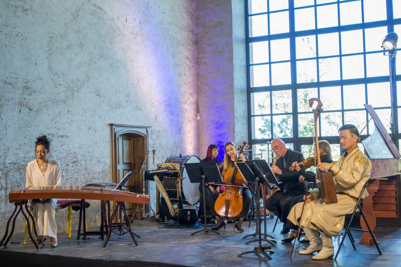 """""""Vent des royaumes"""", une création pour le festival Made in Asia avec des musiciens baroques d'Occitanie et des artistes chinois, taïwanais et coréens. (Copyright : Franck Seret)"""