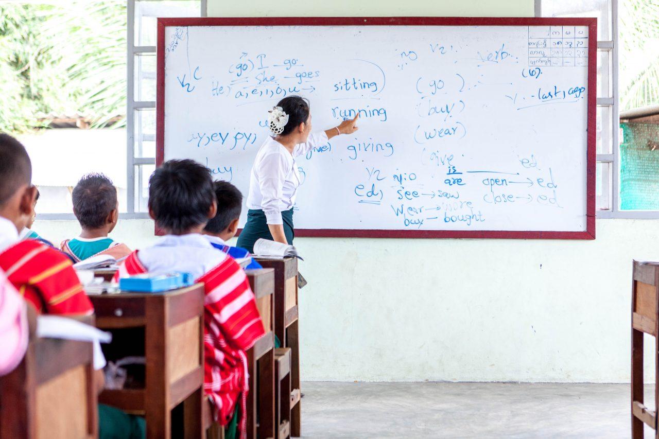 Dans certaines classes, on apprend aussi l'anglais.