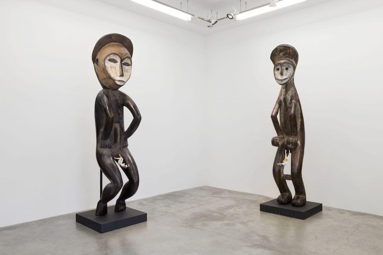 "Xu Zhen, ""Evolution-Statue Mbole Ofika, Tatenashi Sarashiki"", 2016. (Copyright : Galerie Perrotin)"