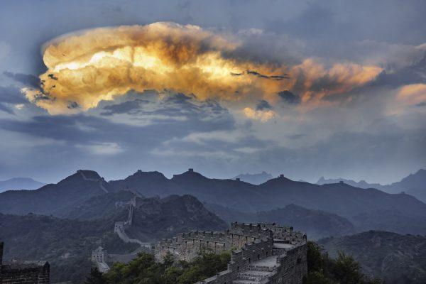 La Grande muraille de Chine à Jinshanling, près de Chengde après la pluie.