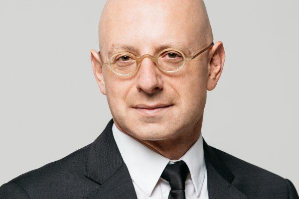 Le candidat du Front National dans la 11ème circonscription des français de l'étranger, Sébastien Cochard.
