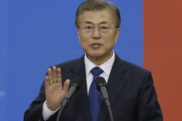 Le président sud-coréen Moon Jae-in aura fort affaire pour convaincre Donald Trump qu'il peut s'entendre avec lui. (Crédits : AFP PHOTO / Ahn Young-joon)