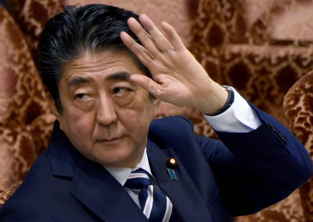 Le Premier ministre japonais Shinzo Abe est désormais impopulaire. (Crédits : AFP PHOTO / Toru YAMANAKA)