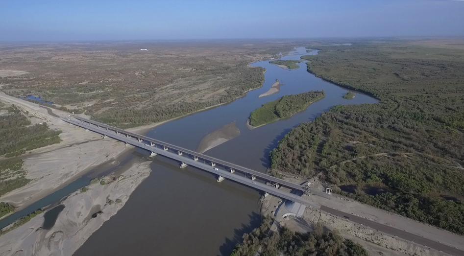 Le fleuve Ili, passage historique de l'ancienne et de la nouvelle route de la Soie au Kazakhstan. Un court d'eau qui prend sa source en Chine dans les montagnes Tian Shan. (Copyright : Nicolas Sridi)