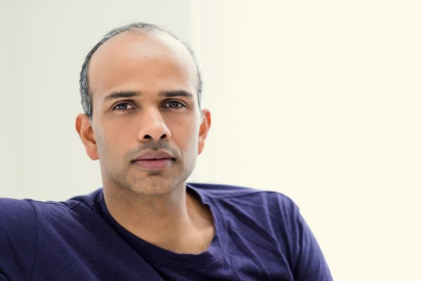 L'écrivain indien Mahesh Rao. (Copyright : Carlo Nicora)