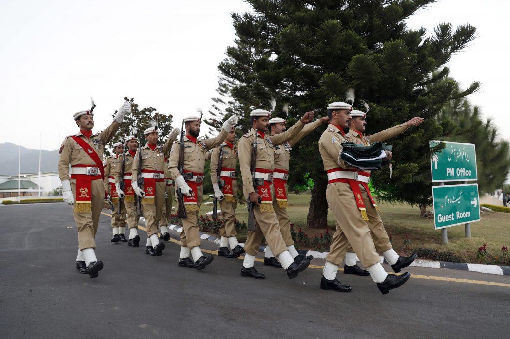 Défilé des gardes du premier ministre pakistanais lors de la visite du Secrétaire d'Etat américain Rex Tillerson, le 24 octobre 2017.
