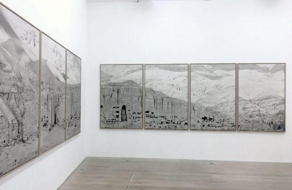 """""""À Bâmiyân"""" de Pascal Convert à la galerie Eric Dupont à Paris, 2017. (Copyright : galerie Eric Dupont, Paris)"""