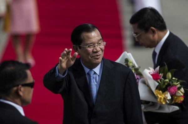 Le Premier ministre cambodgien Hun Sen à son arrivée à Manille le 11 novembre 2017, pour participer au 31ème sommet de l'ASEAN. (Crédits : NOEL CELIS / AFP)