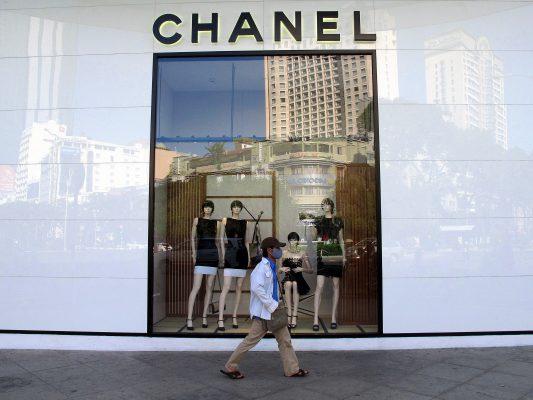 Devanture d'une boutique Chanel à Hô-Chi-Minh-Ville : plus de 1 600 entreprises françaises sont déjà implantées dans les pays de l'ASEAN. (Copyright : Tom Eisenchteter).