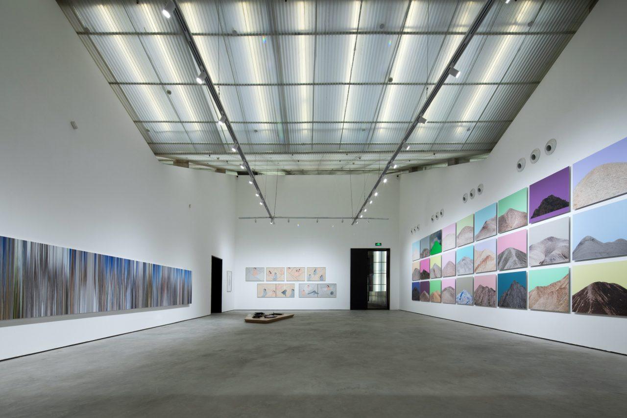 Exposition du photographe chinois Zhang Hui dans une des salles du Musée de la photographie de Lianzhou. (Courtesy of Lianzhou Foto)