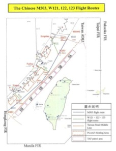 Les routes aériennes chinoises dans le détroit de Taïwan. (Crédit : DR)