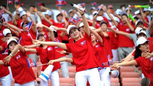 """Pas de char ou de missile balistique mais une """"army of beauties"""" envoyée par la Corée du Nord aux JO de Pyeongchang. (Source : The Daily Beast)"""