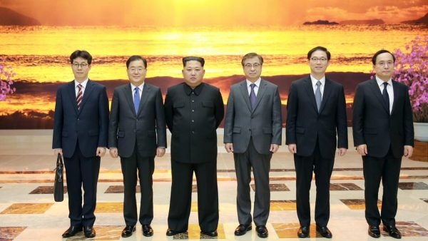 Kim Jong-un recoit une délégation sud-coréenne, dont le chef des services de renseignements à Pyongyang les 5 et 6 mars 2018. (Crédit : KCNA)