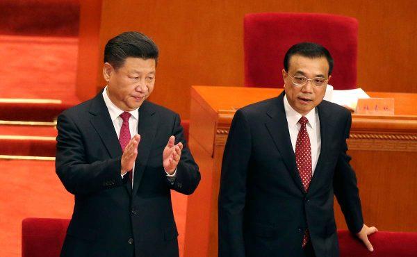 Le président chinois Xi Jinping et son Premier ministre Li Keqiang, un duo exécutif purement formel. (Source : Naples herald)