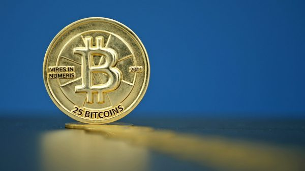 Alors que la législation se durcit en Chine, la France tente elle aussi d'encadrer le Bitcoin, au niveau national et européen. (Source : Quartz)