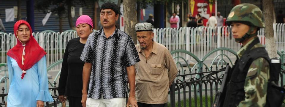 Un rapport de l'ONU publié en aout 2018 accuse la Chine de détenir un million de Ouïghours dans des camps de rééducation au Xinjiang. (Source : TRT World)