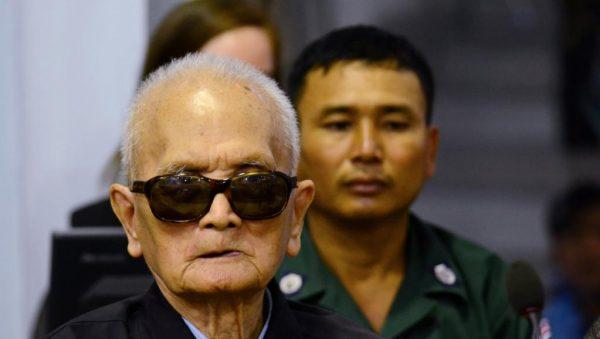 """Nuon Chea, """"frère numéro deux"""" des Khmers rouges a été condamné pour """"génocide"""" avec l'ancien président cambodgien Khieu Samphan le 16 novembre 2018 à Phnom Penh. (Source : RFI)"""
