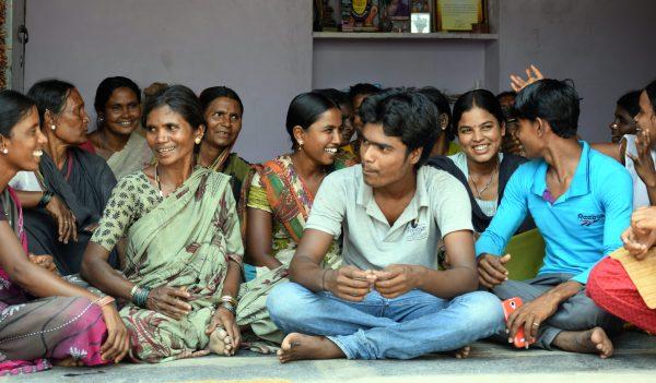 Femmes dalits avec leurs enfants dans l'État du Karnataka au sud-ouest de l'Inde. (Source : Inter Press Service)