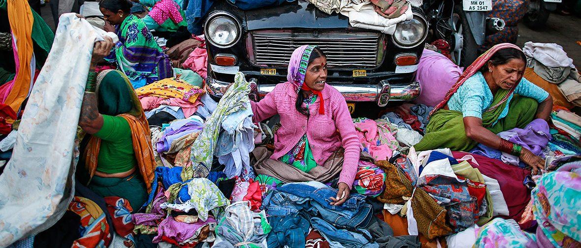 Vendeurs de rue à Mumbai. (Source : The Wire)