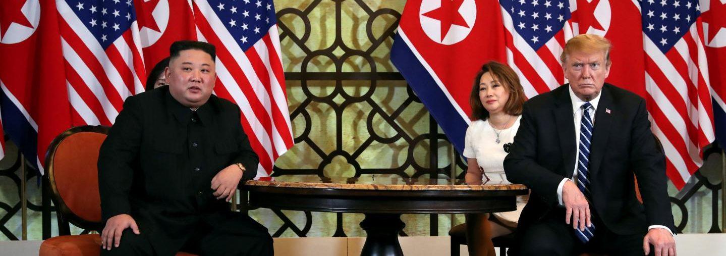 Le dirigeant nord-coréen Kim Jong-un et le président américain américain Donald Trump lors de la conférence de presse du sommet de Hanoï le 28 février 2019. (Source : The National Interest)
