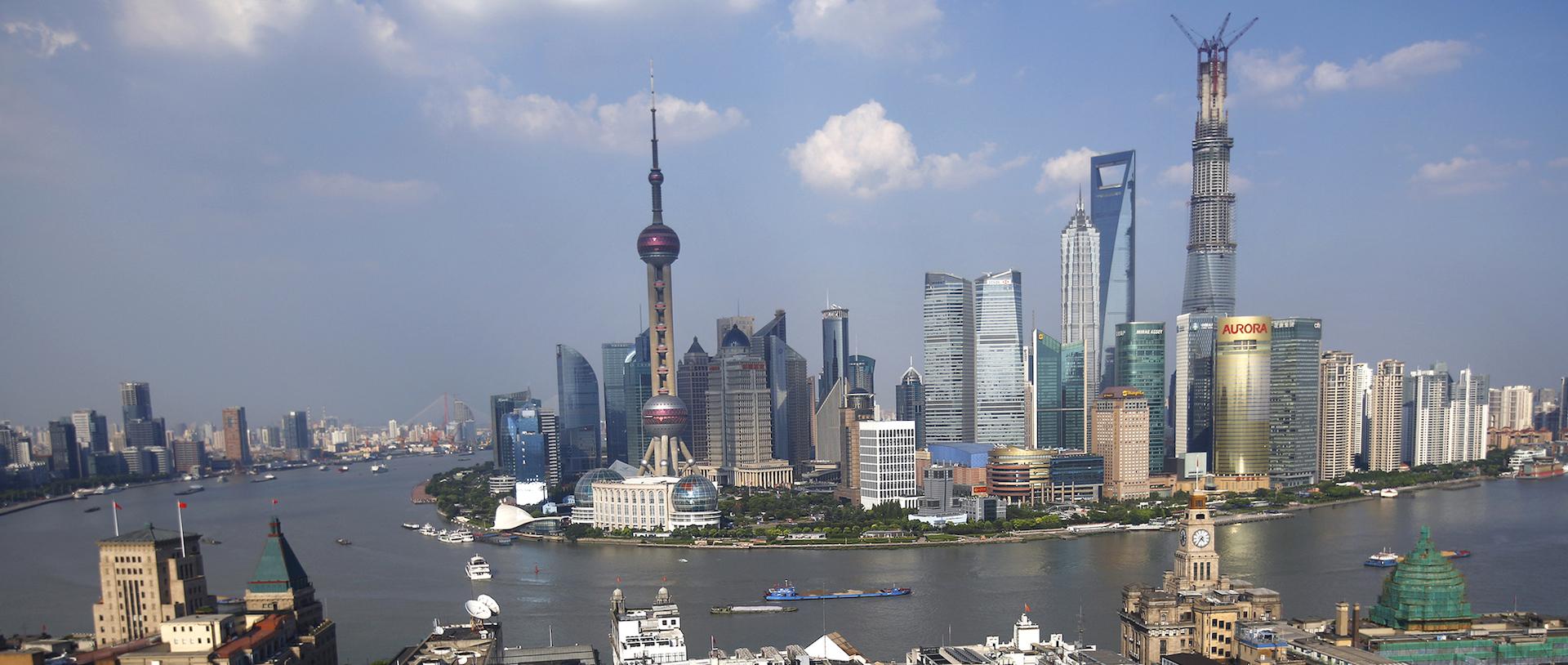 Le quartier d'affaires de Luziazui à Shanghai, sur la rive est du Huangpu. (Source : The Atlantic)