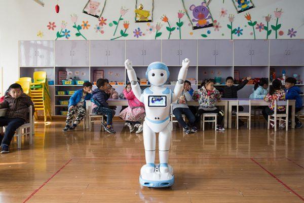 Le robot éducatif iPal dans une classe de maternelle du Shunhu Kindergarten à Suzhou, dans la province chinoise du Jiangsu, le 6 décembre 2017. (Source : Sixth Tone)