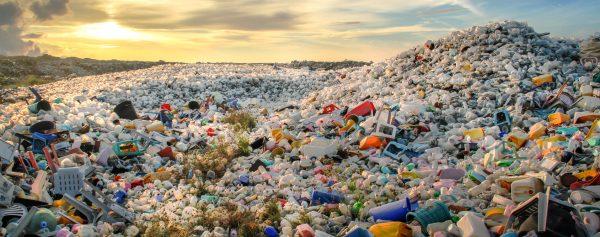 La Malaisie a, selon Greenpeace, importé autant de déchets plastiques l'an dernier que les États-Unis n'en exportaient. (Source : Christopherteh)