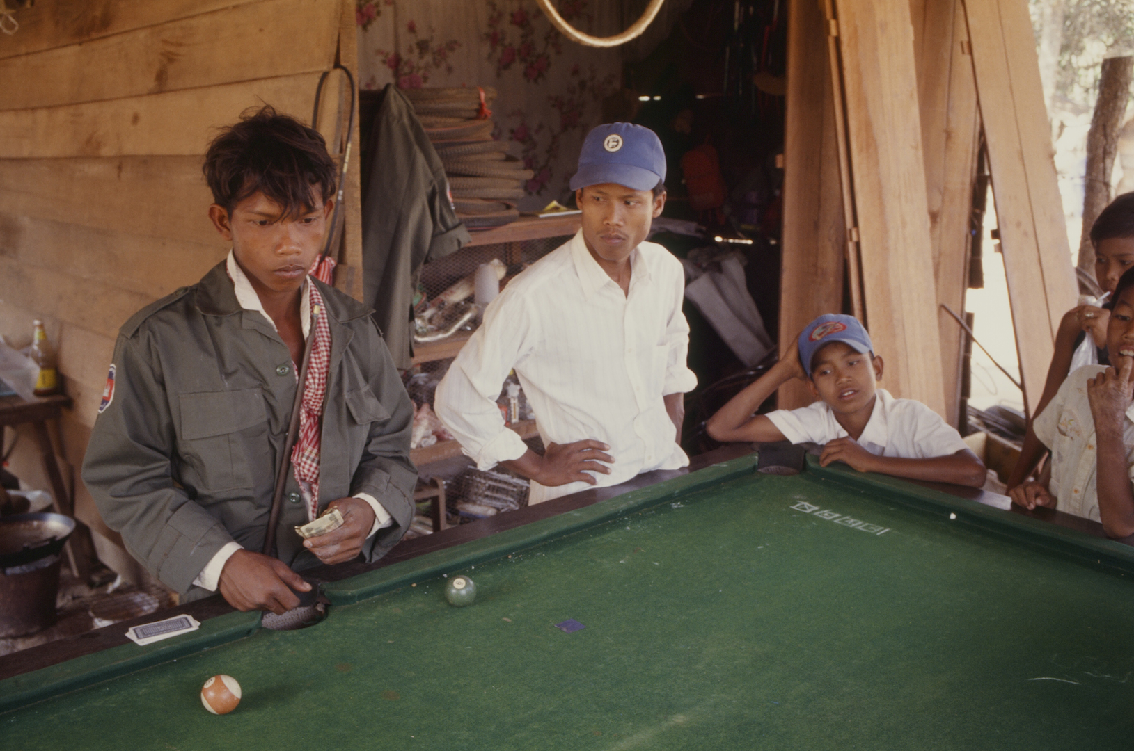 Billard à An Long Ven au Cambodge. (Copyright : Bruno Birolli)