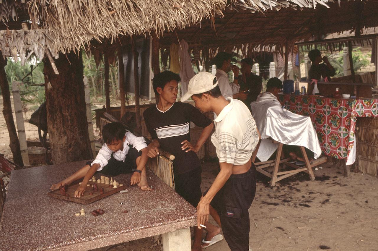 Échecs à Siem Rep au Cambodge - décembre 2002. (Copyright : Bruno Birolli)