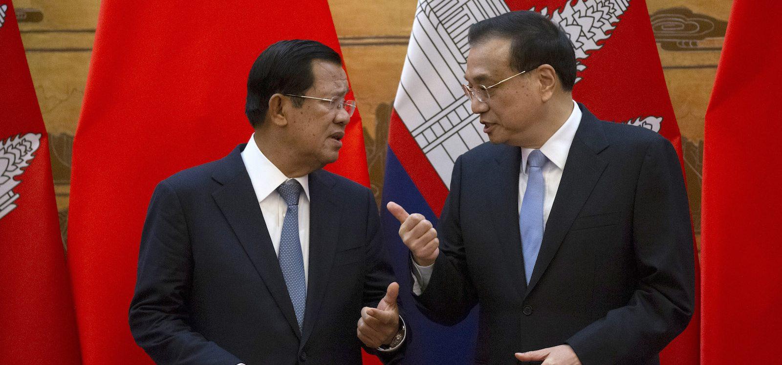 Le Premier ministre cambodgien Hun Sen avec son homologue chinois Li Keqiang dans le Grand Hall du Peuple à Pékin le 22 janvier 2019. (Source : Asia Times)