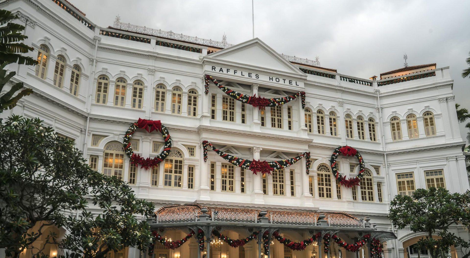 L'hôtel Raffles à Singapour. (Source : Wikimedia Commons)