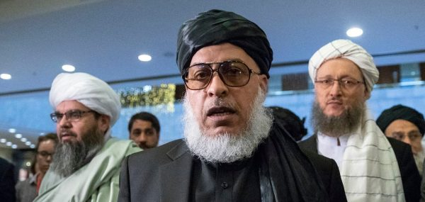 Le mollah taliban Abbas Stanikzai (au centre) lors de pourparlers inter-afghans à Moscou le 6 février 2019. (Source : Washington Post)