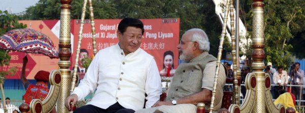 Le président chinois Xi Jinping et le Premier ministre indien Narendra Modi dans l'État du Gujarat en Inde en 2014. (Source :SCMP)