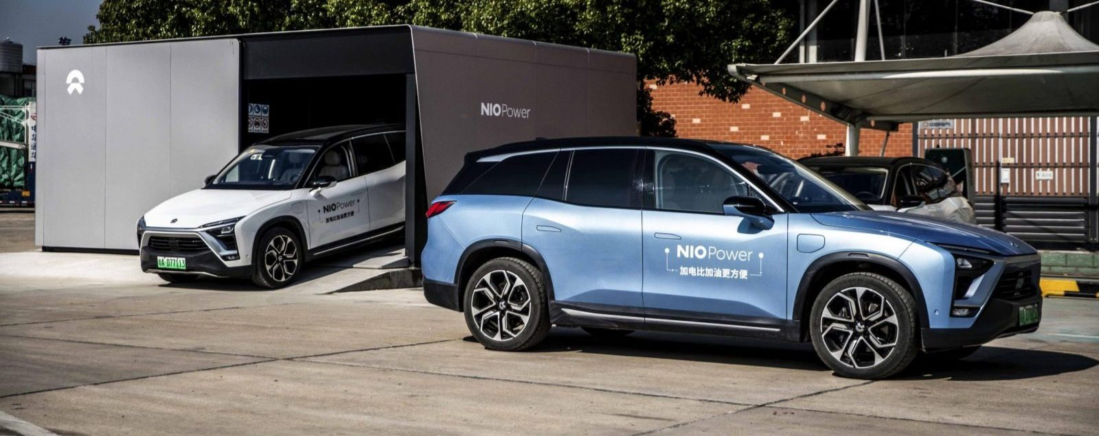 Le construction chinois NIO opère déjà 80 points d'échange permettant aux véhicules de la marque de repartir en 3 minutes avec une nouvelle batterie d'une autonomie de 350 kilomètres, avec pour ambition d'atteindre 1 100 stations d'ici à 2022. (Source : Electrek)