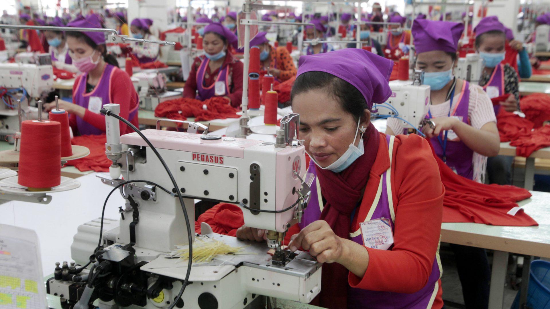 L'économie cambodgienne est tirée par l'exportation de vêtements. (Source : Asia Nikkei)
