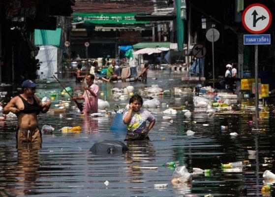 Bangkok pourrait s'enfoncer d'1,8 mètres dans le sol d'ici à 2025. (Source : Slate)