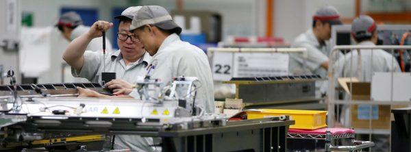 """Singapour comme dans le reste de l'Asie orientale, l'industrie des semi-conducteurs n'est pas seulement touchée par la double guerre commerciale et technologique entre Pékin et washington mais aussi par le retournement du """"cycle du silicium"""". (Source : Asia Nikkei)"""