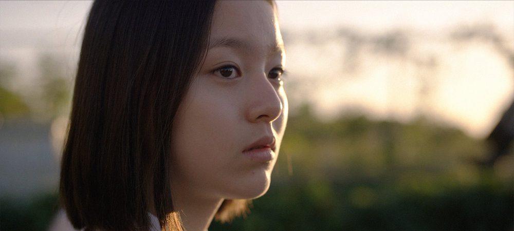 """Scène du film """"The House of the Hummingbird"""" de Kim Bora. L'actrice sud-coréenne Park Ji-hoo dans le rôle de Eun-hee. (Crédit : DR)"""
