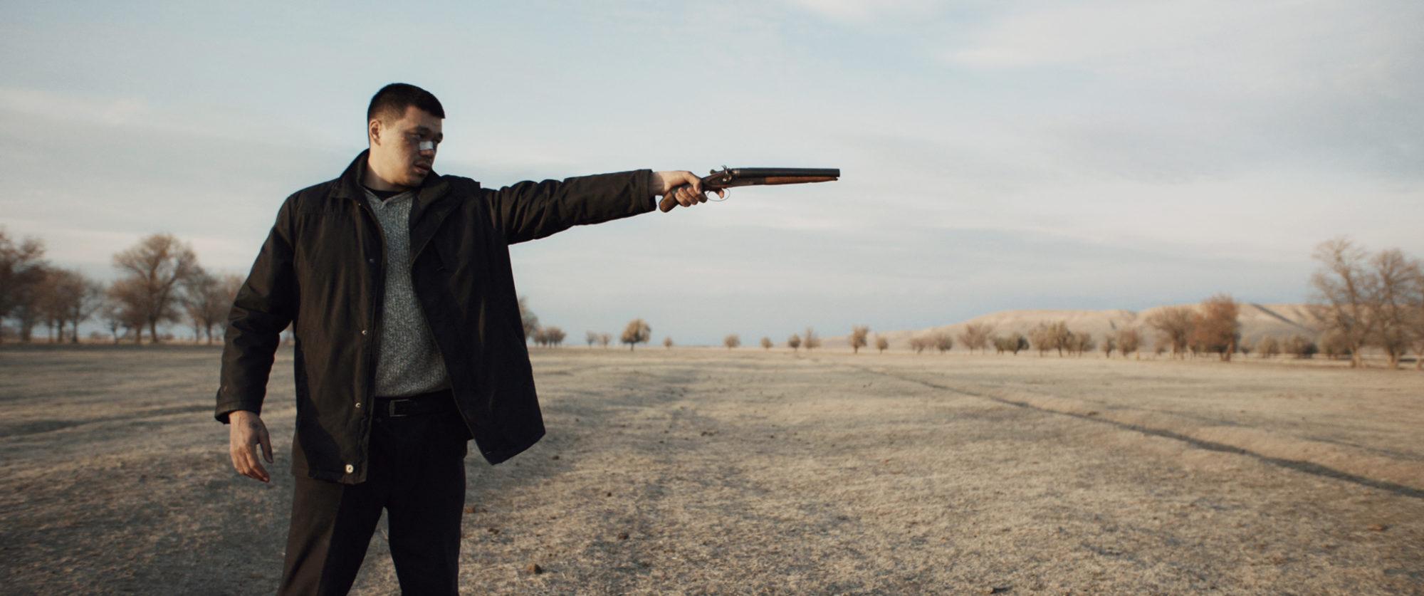 """Scène du film kazakhstanais """"A dark, dark man"""" d'Adilkhan Yerzhanov présenté au Festival ionternational des Cinémas d'Asie à Vesoul. (Source : Arizonafilms)"""
