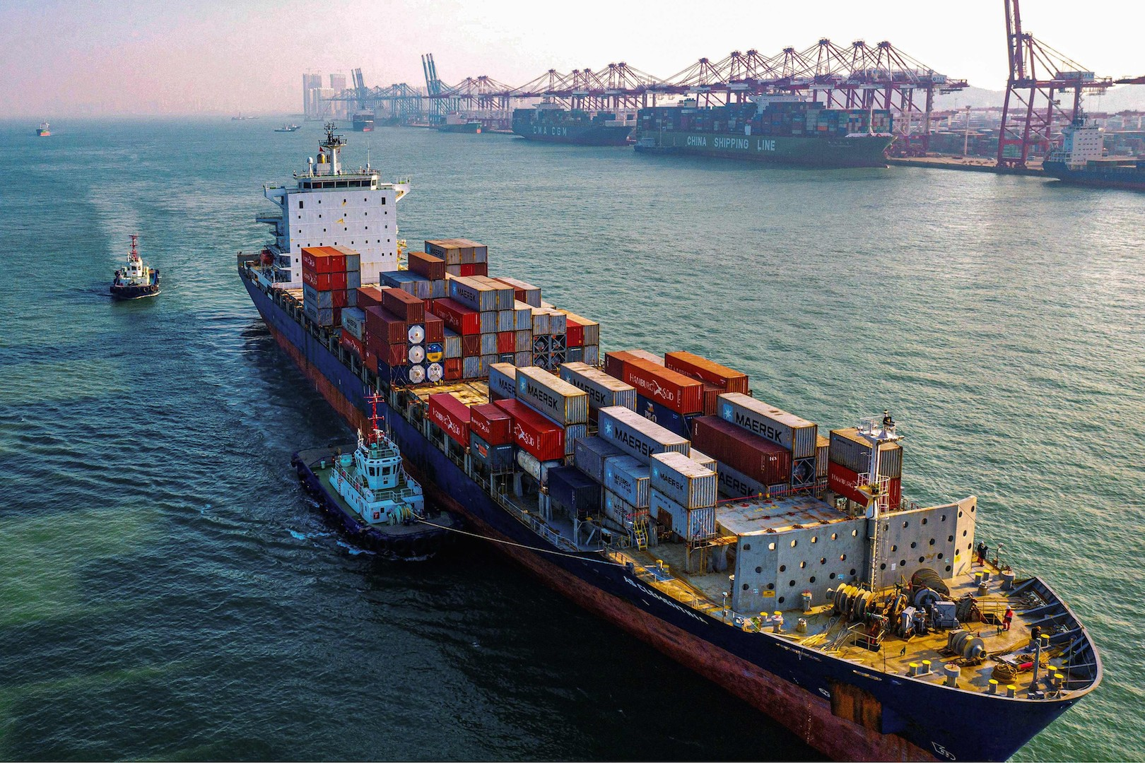 Un porte-conteneurs dans le port de Qingdao, dans la province chinoise du Shandong, le 14 janvier 2020. (Source : SCMP)
