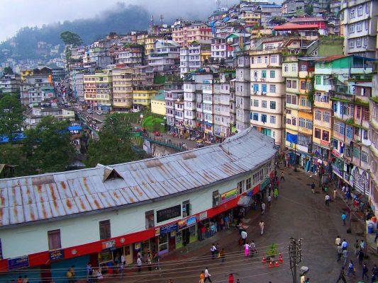 La ville de Gangtok au Sikkim, dans le nord-est de l'Inde. (Source : Pinterest)