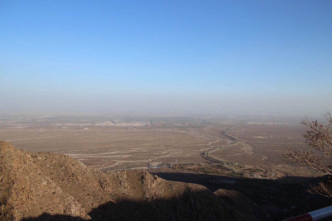 La plaine de Yinchuan, vue depuis les monts Helan. (Crédit : Thibaud Mougin / SOPA images)