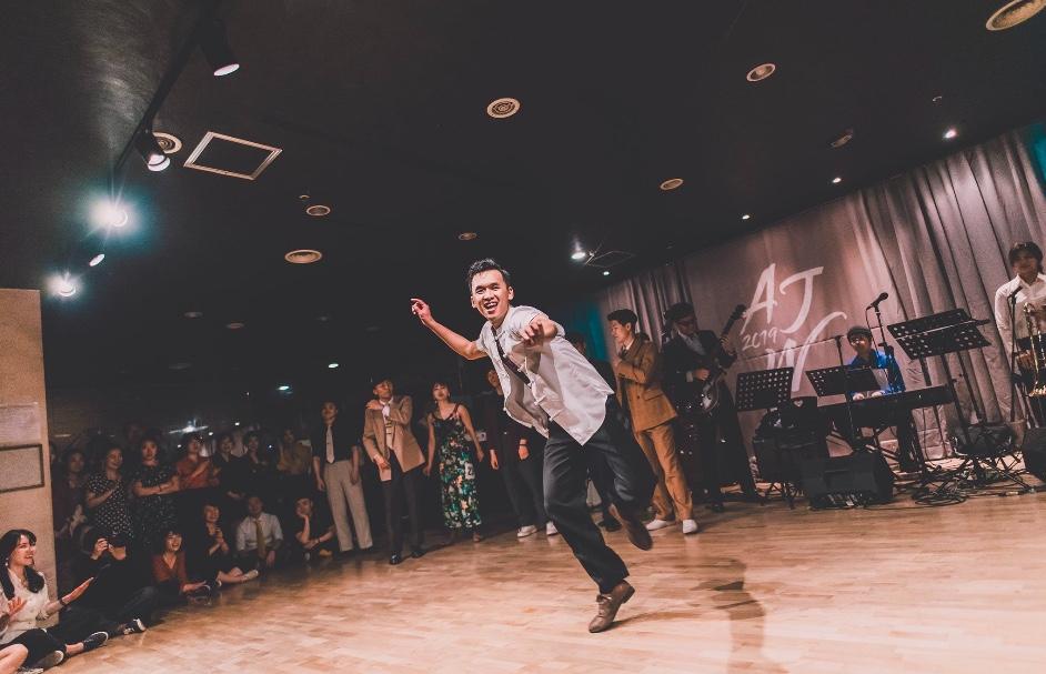 """Huang Yuexing, professeur de danse à Shanghai et intitiateur du """"Capital Idea Challenge"""". (Crédit : Huang Yuexing @somestage)"""