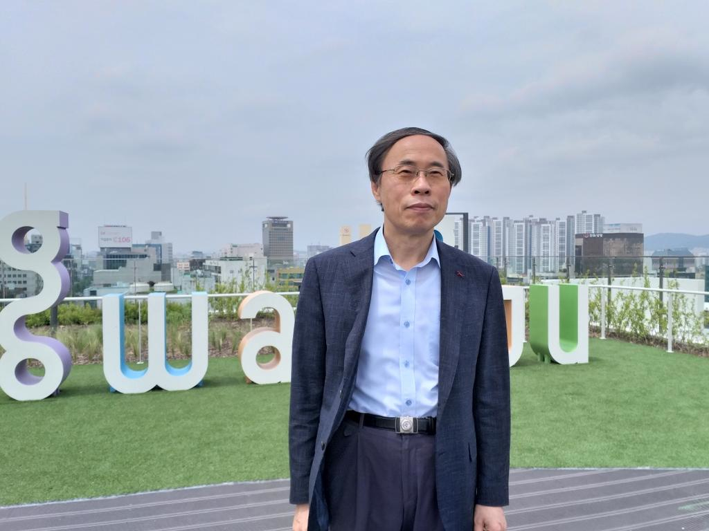 Le Sud-Coréen Lee Jae-eui, ancien manifestant à Gwangju, et conseiller à la Fondation du Mémorial du 18 mai. (Crédit : DR)