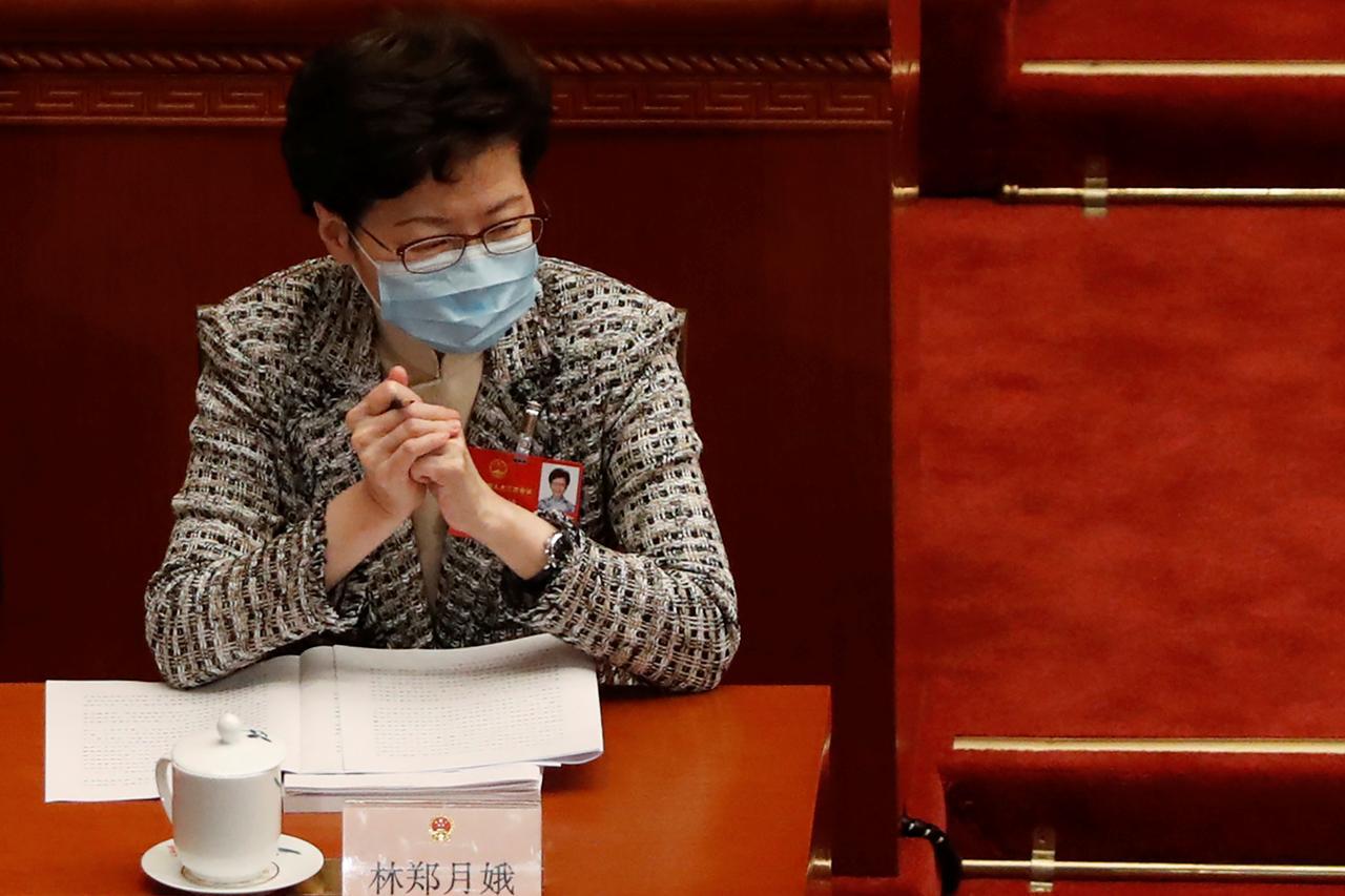 La cheffe de l'exécutif hongkongais Carrie Lam à l'ouverture de la troisième session annuelle de la 13ème Assemblée nationale populaire à Pékin, le 22 mai 2020. (Source : Reuters)